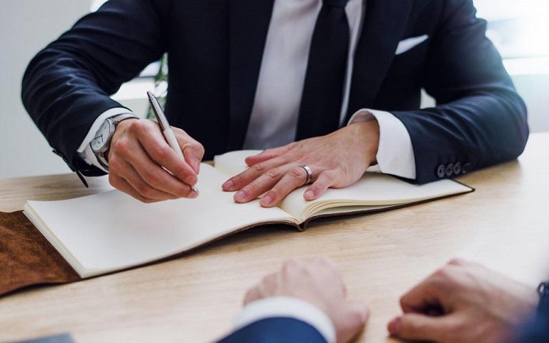Poslovno, finančno svetovanje in izterjava terjatev
